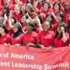 Bank of America Conecta a los Adolescentes con Grandes Oportunidades