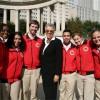 Miembros de City Year Corps Prometen Mantener a los Estudiantes en Buen Camino