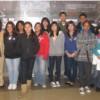 Lisa Hernández Recorre Chicago Food Depository con un Grupo de Jóvenes
