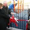 El Corte de Cinta Celebra la Llegada del Equipo del Patio de Recreo de Nightingale Elementary School