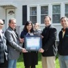 Pareja de Berwyn Recibe un Premio por Mejora en Energía