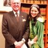 La Reina del Desfile del Día de San Patricio Hace Visita Oficial a la Alcaldía