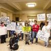 Manifestantes dicen a Emanuel, 'Es hora de sanar Chicago'
