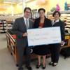 Walmart Entrega Cheque a Casa Central