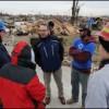 Sobrevivientes del Tornado de Illinois Reciben Ayuda de FEMA