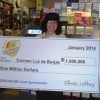 Latino Woman Wins $1 Million in Illinois Lottery