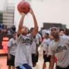 Cientos de Estudiantes Participan en la Clínica Gratuita de Baloncesto de Nike
