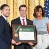 La Biblioteca Pública de Chicago Recibe Medalla Nacional por sus Servicios de Biblioteca y Museos