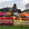 Manifestantes contra Freddie Mac y Fannie Mae <em>'luchen, luchen, luchen por los derechos humanos de la vivienda'</em>