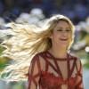 Recreating Shakira's Signature Look