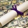 St. Augustine College en Aurora Recibe Fondos para Becas