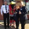 Oficiales de Policía Ocupan los Tejados de Dunkin' Donuts a Beneficio de los Olímpicos Especiales de Illinois
