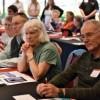 Residentes Disfrutan el Taller de Tecnología Móvil Gratis con el Programa AARP TEK