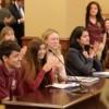 Tabares Aprueba Proyecto para Proteger a Inmigrantes de la Discriminación