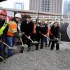 Emanuel y el Distrito de Parques de Chicago Cortan la Cinta de Inauguración del Sendero Frente al Lago