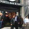 Frank Thomas Preside la Apertura de 35 Sports Bar & Grill en Cermak Rd.