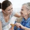 Cómo Reducir el Estrés Navideño Cuando se Vive con Alguien con Alzheimer's
