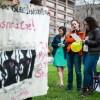 Familias y Simpatizantes Sostuvieron una Vigilia Fuera de la Cárcel del Condado de Cook en Honor a las Madres