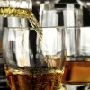 Sobre la Inmigración de E.U., se Encontró que los Latinos Bebían Menos