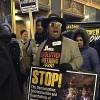 Los Chicaguenses Protestan por el Discurso del Estado de la Unión de Trump