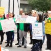 Coalición de Alfabetización de Chicago Aborda la Brecha en la Educación de Adultos
