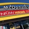 McDonald's y el Rep,. de E.U. Danny Davis se Unen en la Temporada de Contratación