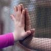 Legislación de Lilly para proteger a familias inmigrantes firmada en ley