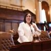 La Sen. Castro Celebra Subsidios de Alfabetización de Adultos para la conexión de Alfabetización