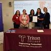 Las Oportunidades de Aprendizaje Permiten a los Estudiantes de Triton Ganar Mientras Aprenden
