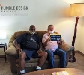 Humble Design Sirve al Cliente No. 2,000 en su Lucha Contra la Falta de Vivienda
